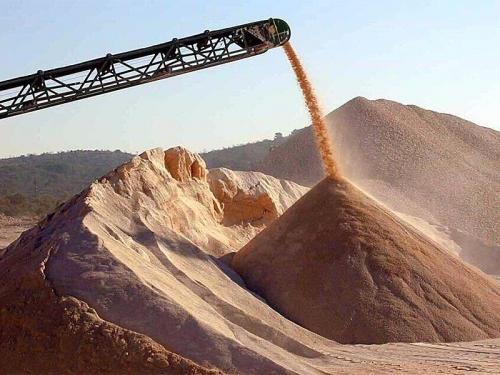 Песок и щебень по низкой цене.